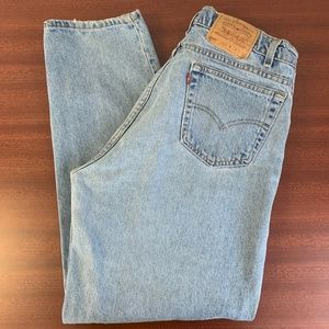Vintage Levis 560 Lose Fit Tapered Leg Made in USA